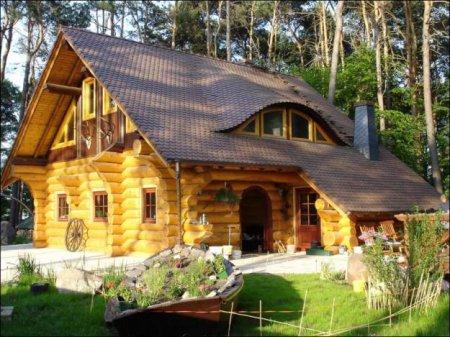 Укладка стен деревянного дома