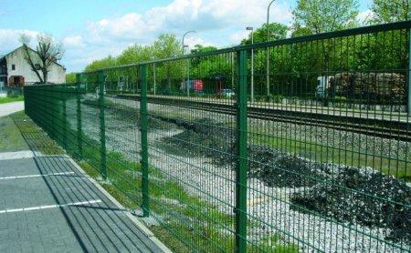 Ограждение железнодорожных путей