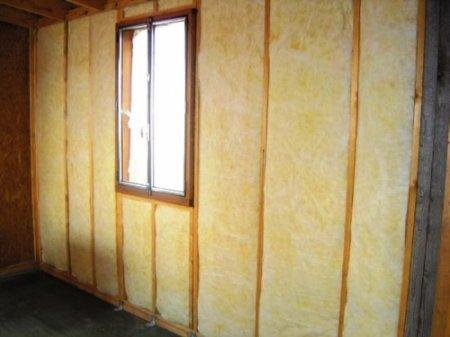 Как обшивается гипсокартоном деревянная стена?