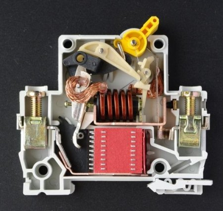 Что такое автоматический выключатель?